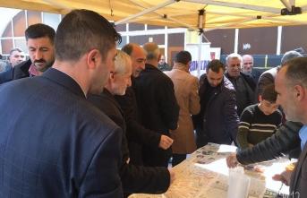 Patnos'ta Şehitler mevlit okundu lokma tatlısı dağıtıldı