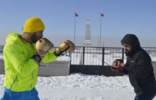 Eksi 25 derece soğukta Olimpiyat Oyunları'na hazırlanıyor