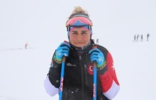 Milli Kayakçı Fatma Yavuz Pekin'e gidebilmek için...