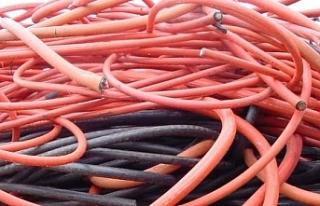 Ağrı'da kablo hırsızlığı yapan 3 kişi gözaltına...