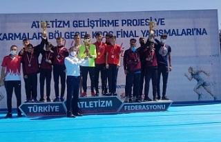 Eleşkirt'in Altın Ayaklı Çocuğu Türkiye ikincisi...
