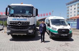 Ağrı Belediyesi filosuna Cenaze Nakil ve Kanal Açma...
