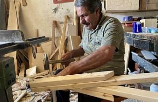 Dededen kalma 100 yıllık marangozluk mesleğini...