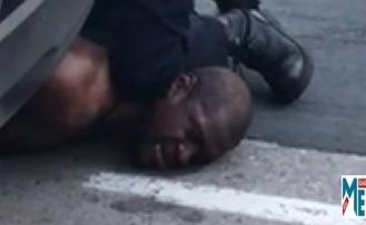 ABD'de Minneapolis'te siyahi bir vatandaşı öldüren polislerin işlerine son verildi