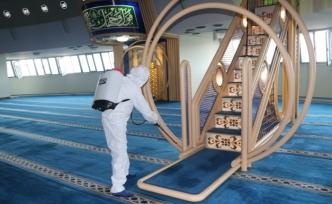 Doğu'da camiler cuma namazına hazırlanıyor