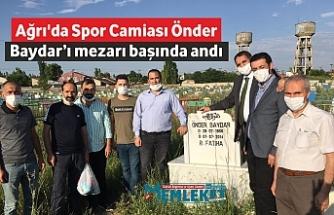 Ağrı'da Spor Camiası Önder Baydar'ı mezarı başında andı