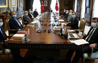Rapor Erdoğan'a sunuldu! Otel, AVM, şirket ve hastane isimlerindeki İngilizce kelimeler ayıklanacak