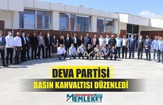 DEVA PARTİSİ BASIN KAHVALTISI DÜZENLEDİ