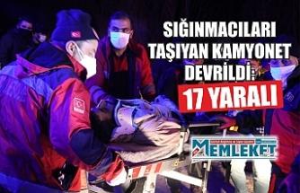 Sığınmacıları taşıyan minibüs şarampole devrildi: 17 yaralı
