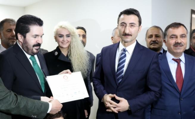 Ağrı Belediye Başkanı Sayan mazbatasını aldı
