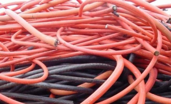 Ağrı'da kablo hırsızlığı yapan 3 kişi gözaltına alındı