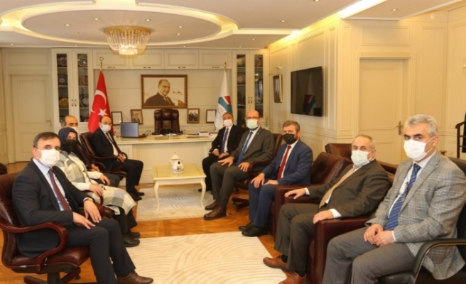 AİÇÜ Rektörü Prof. Dr. Karabulut, ETÜ heyetini misafir etti