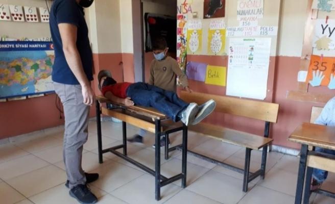 Diyadin'de öğrencilere tiyatro ve müzik eğitimi verildi