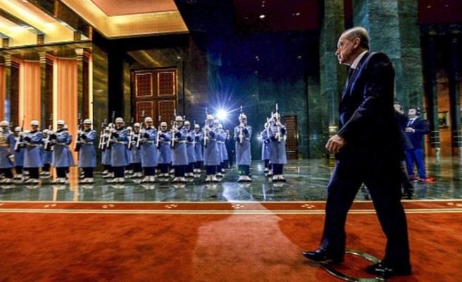 ECONOMİSTTEN 'ERDOĞAN VE PEKER' YORUMU: EKONOMİ DARBE ALIYOR!