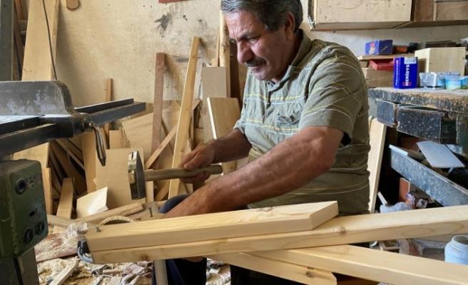 Dededen kalma 100 yıllık marangozluk mesleğini yaşatmak için teknolojiye direniyor