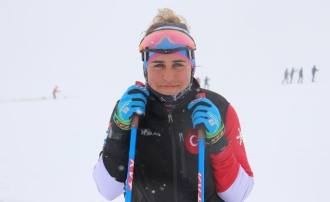 Milli Kayakçı Fatma Yavuz Pekin'e gidebilmek için hazırlanıyor
