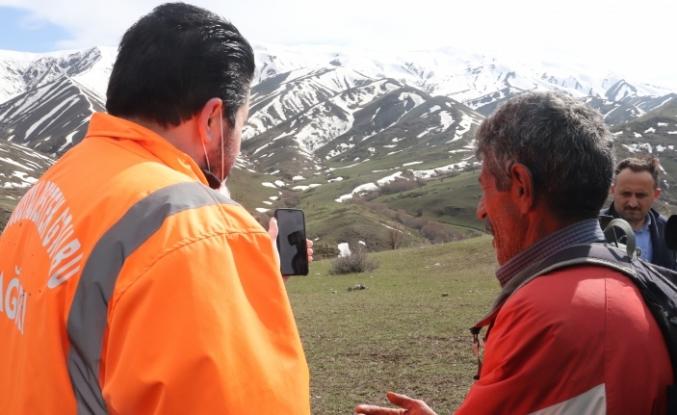 Bakan Soylu, oğlu PKK'lılar tarafından kaçırılan Ağrılı baba Vahit Çur ile görüştü