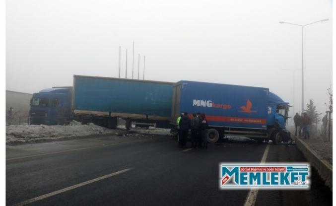 Ağrı'da ikisi tır 3 aracın karıştığı trafik kazasında bir kişi yaralandı