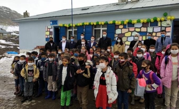 Hamur'da atıl binadan yeni okul yapıldı