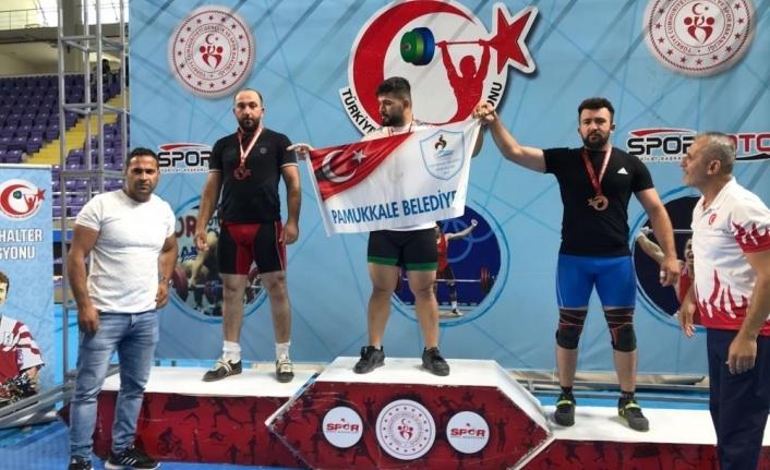 Ağrılı halterci Türkiye ikincisi oldu