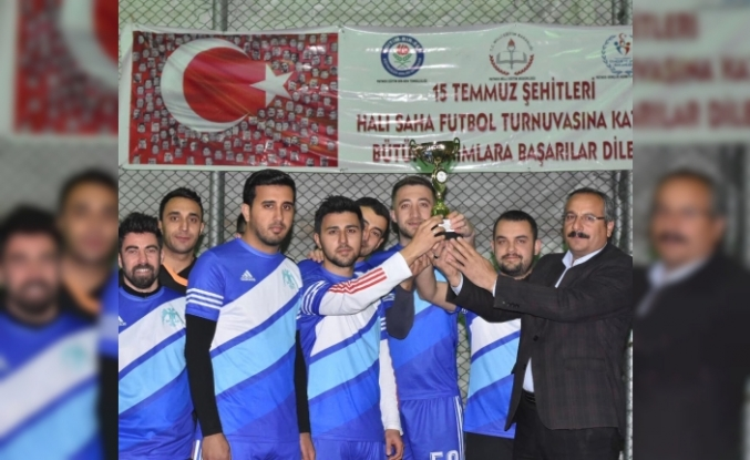 Öğretmenler arası futbol turnuvası sona erdi