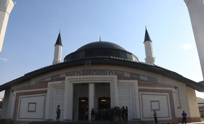 Ağrı Ulu Cami ibadete açıldı