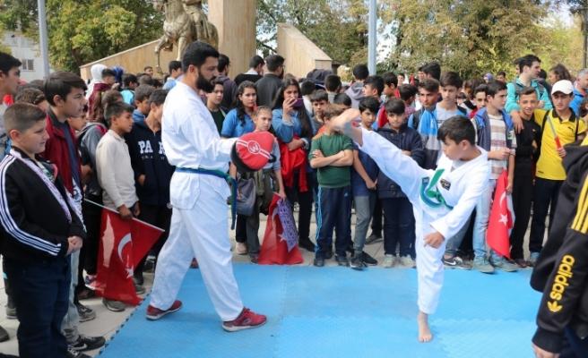 """Ağrı'da """"Amatör Spor Haftası"""" etkinlikleri başladı"""