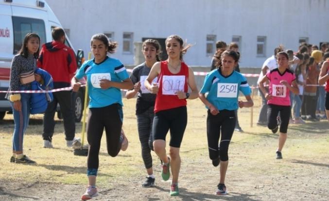 Ağrı'da bölgesel kros ligi yarışmaları yapıldı