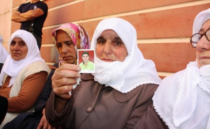 Ağrılı anneden çocuğu dağa kaçırılan ailelere destek
