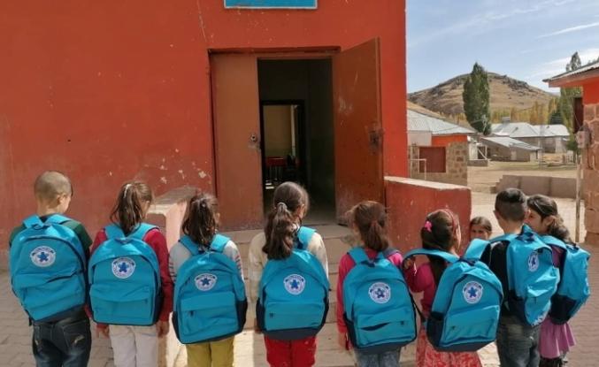 VEGA Okullarından Hamurlu öğrencilere yardım
