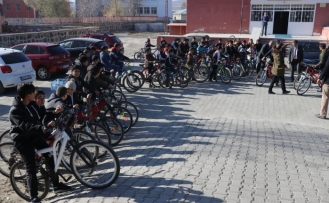100 öğrenci ara tatilde pedal çevirdi