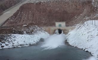 Yazıcı Barajının kış manzarası büyülüyor