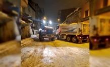 Ağrı'da belediye ekiplerinin karla mücadele çalışmaları sürüyor