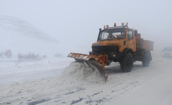 Doğu Anadolu'daki 6 ilde 840 köy ve mahalle yolunda ulaşım sağlanamıyor