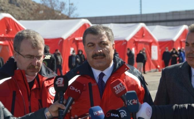 """Sağlık Bakanı Koca: """"Kum ve Meşhed geçmişi olan 10 kişiyi ayrı üniteye aldık, yakın takip ediyoruz"""""""