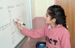 """""""Benim Öğrencim"""" projesi ile okuluna kavuştu"""